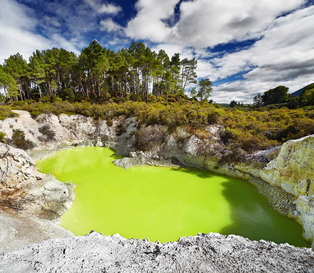 Devil's Bath pool in Waiotapu Thermal Reserve, Rotorua, New Zealand