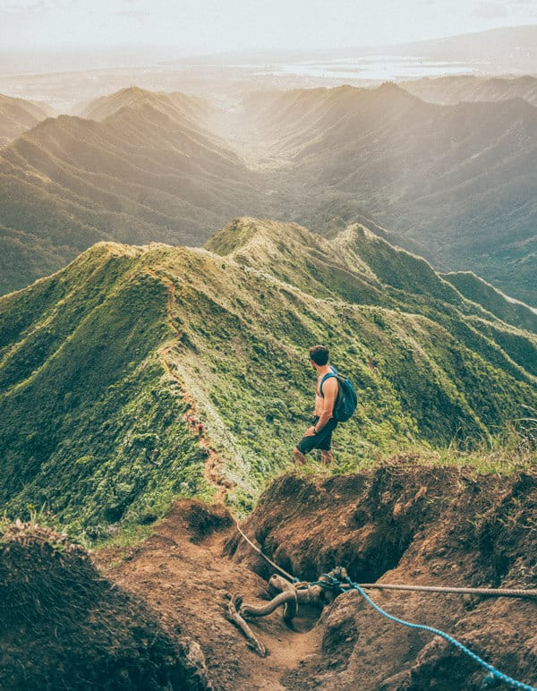 11 Places You Can't Miss In Hawaii (Oahu). A quick preview of the top spots you need to see on your next trip to Hawaii, including the Stairway to Heaven Hike, one of the best hikes in Hawaii!! (update - it is illegal now but still beautiful!) #avenlylanetravel #hawaii #oahu #islands #usatravel #hawaiianislands #hike