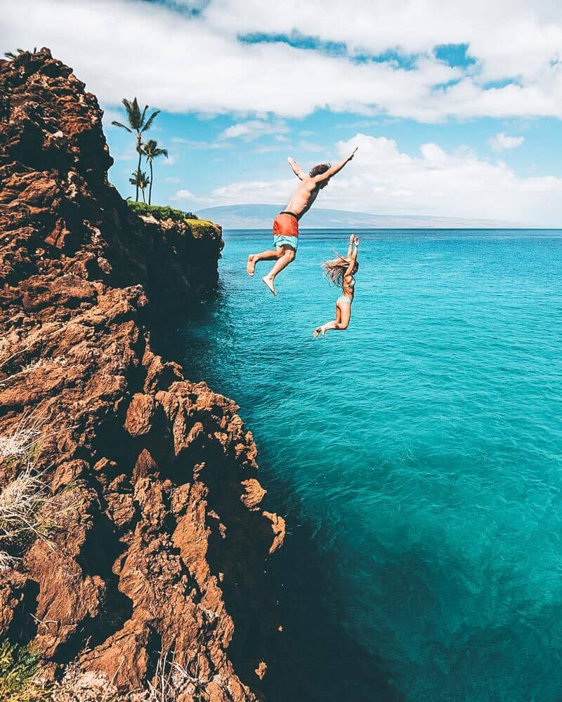Cliff jumping in Hawaii! See the 11 best places to visit in Hawaii (Oahu)