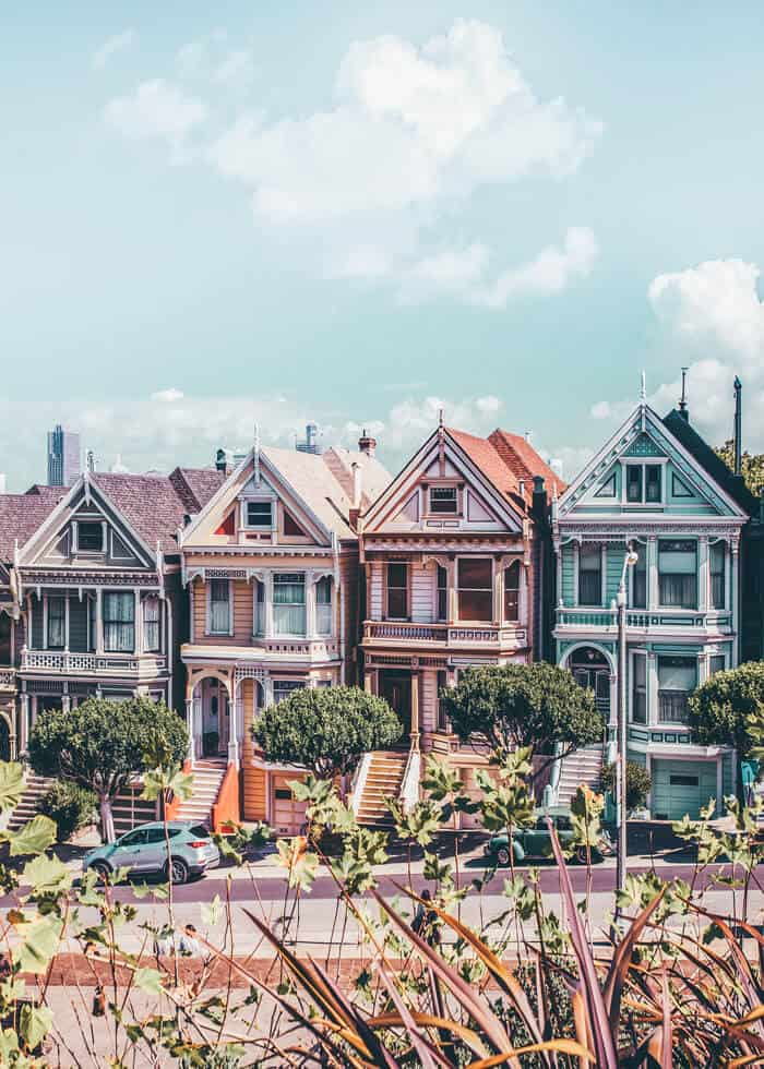 Top 10 Things to do in San Francisco, CA. San Francisco has so many incredible city photography spots it can be hard to know which ones are a must see. Click through to www.avenlylanetravel.com to see the best things to do in San Francisco, including the Painted Ladies, The Golden Gate Bridge, the beautiful beaches, Lombard Street, Alcatraz Island and so much more. #sanfrancisco #california #usatravel #usa #travelblog #travel #wanderlust