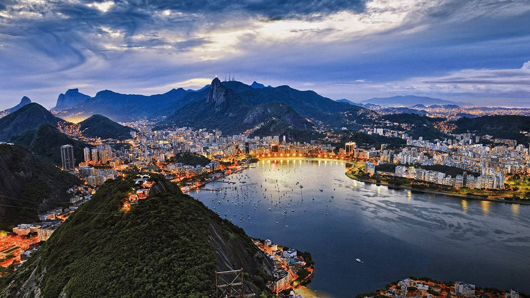 10 Reasons Why Rio de Janeiro is the best city on earth! Click through to read the full post!