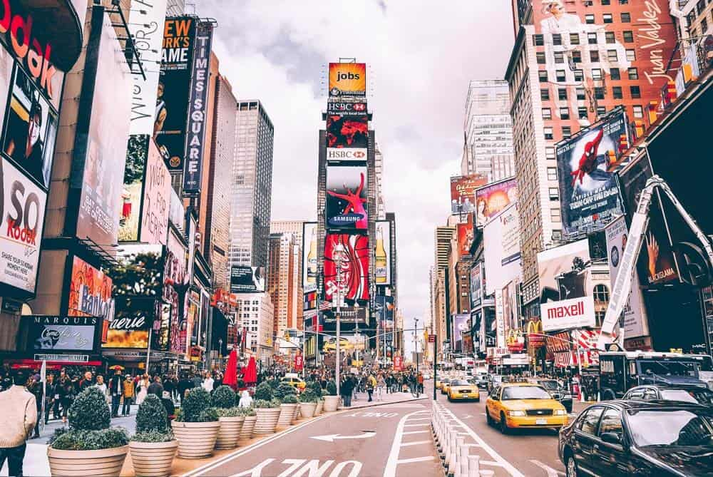Times Square in New York City! Top 10 things to do and see in New York City. #avenlylane #avenlylanetravel