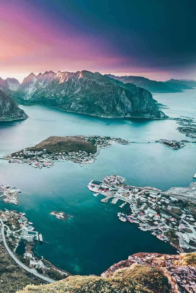Mountains in the Lofoten Islands. Norway is one of the most breathtakingly beautiful countries in the world and these photos prove it! So amazing! Here are some of the top places to see in Norway. #norway #norwayphtoos #norwayphotography #avenlylanetravel #avenlylane #europe #travelinspiration #beautifulplaces