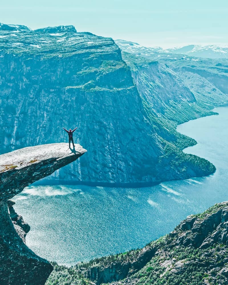 Trolltunga, Odda Norway. Norway is one of the most breathtakingly beautiful countries in the world and these photos prove it! So amazing! Here are some of the top places to see in Norway. #norway #norwayphtoos #norwayphotography #avenlylanetravel #avenlylane #europe #travelinspiration #beautifulplaces