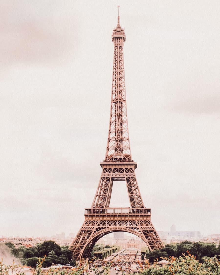 It can be hard to know what you should see in Paris and what you should skip. Here is a list of the top things to see your first time in Paris. These Paris travel tips will you help as you as you explore the history, culture, food and top places to visit in Paris, France. Avenlylanetravel.com | #paris #france #europe #travel #photography #avenlylanetravel #travelinspiration #travelblog #beautifulplaces #traveltips #eiffeltower #bucketlist #europetravel