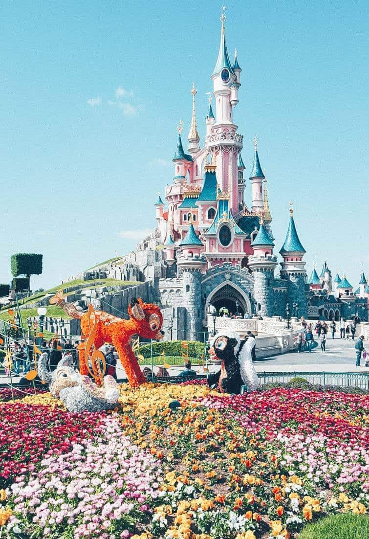 10 things you have to see your first time in Paris | Disneyland in Paris | Avenly Lane Travel #paris