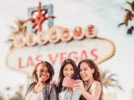 Photo spot in front of the Welcome to Las Vegas Sign. Top 10 Must do's in Vegas for First Timer's #vegas #lasvegas #travel #usatravel