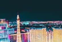 Top 10 Things to do in Las Vegas! Top 10 Must do's in Vegas for First Timer's! Whether you are taking selfie's in front of the welcome to Las Vegas sign or exploring the Bellagio fountains on the Las Vegas Strip there are so many top attractions in Las Vegas! | https://www.avenlylanetravel.com/top-10-must-do-in-vegas-for-first-timers-las-vegas-tips/ #vegas #lasvegas #travel #usatravel #vacation #vegasvacation #nevada #USA #avenylanetravel