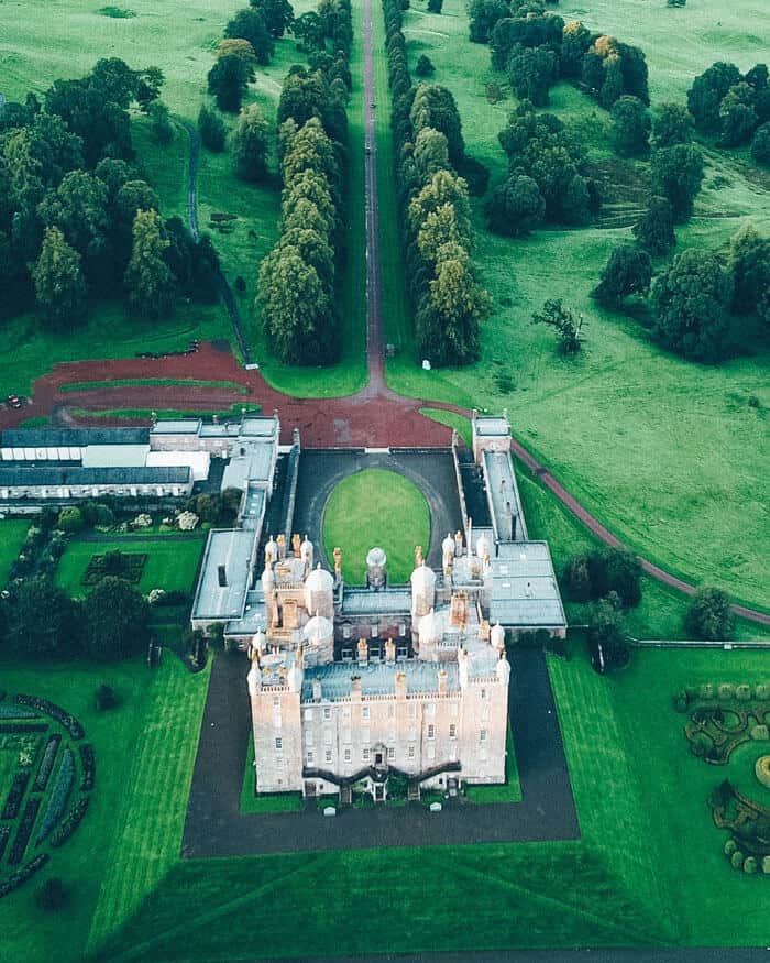 Drumlanrig Castle. The Best Castles in Scotland! Between the Scottish Highlands and the gorgeous city of Edinburgh Scotland is one the of most beautiful places on earth. These 15 Scottish castles will be perfect to add to your Eurppe Bucket List! #scotland #castles #scottishhighlands #edinburgh #Unitedkingom #travel #bucketlist #europe #traveltips #beautiful #travelblog #avenlylane #avenlylanetravel