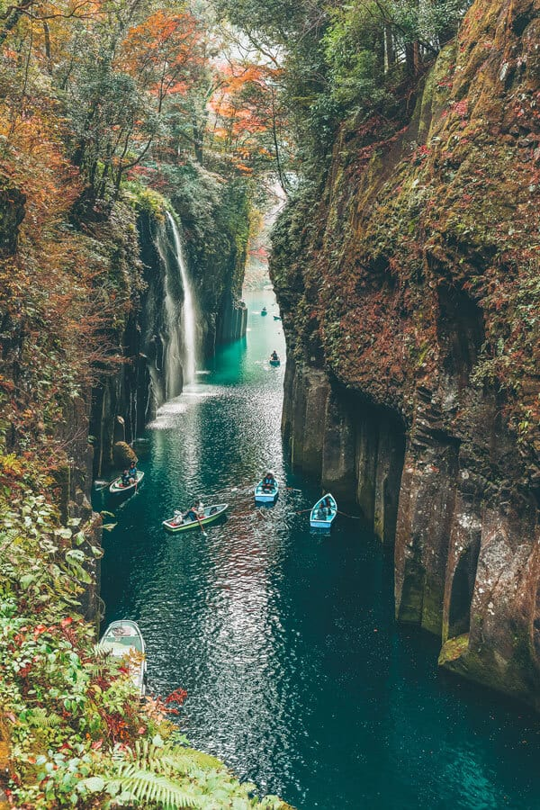 Takachiho Gorge, Miyazaki. #AVENLYLANE #AVENLYLANETRAVEL The Most Beautiful Places You Have to Add to your Japan Bucket List. This place is crazy beautiful! Check out these incredible places in Japan on www.avenlylane.com #Japan #asia #travelblog