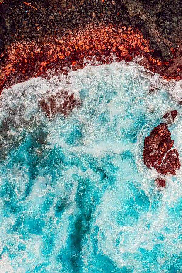 10 Best Things to do in Maui! Including visiting the red sand beach in Hawaii.
