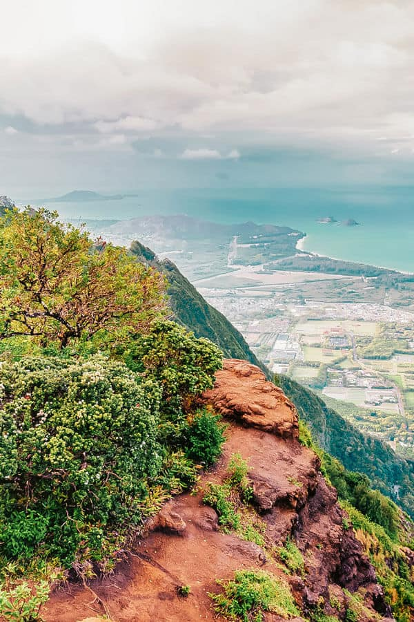 Hike Kuliouou Ridge Trail (South Oahu). Check out the Best Things to do in Oahu Hawaii (You Probably Haven't Heard of). Check out the full post on www.avenlylanetravel.com #avenlylanetravel #hawaii #honolulu #hawaiianislands #oahu