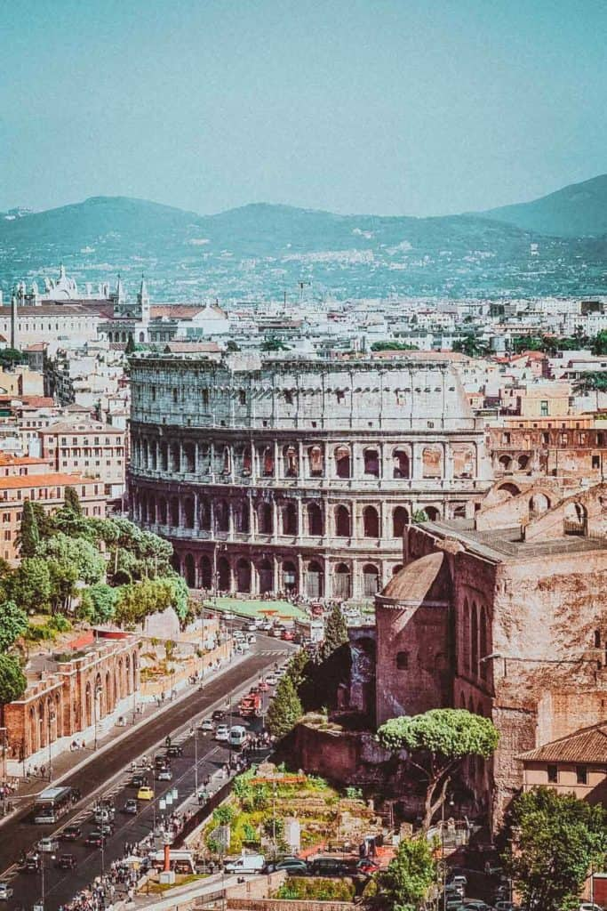 Top 10 Things to See in Rome! Rome is an amazing city that everyone seems to have an innate desire to see.  The Italian allure is powerful enough in itself, but by adding in everything else that Rome has to offer, it makes a trip simply irresistible. Check out the best of Rome on avenlylanetravel.com #AVENLYLANETRAVEL #AVENLYLANE #rome #italy #romeitaly #europe