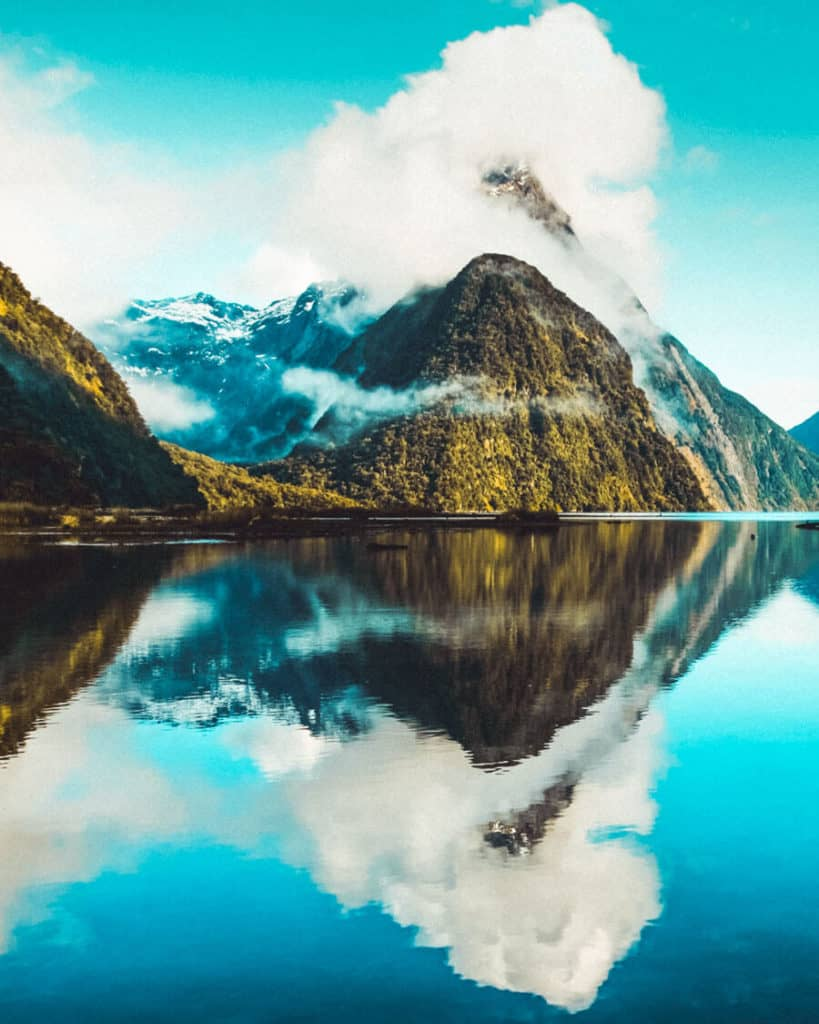 20 Most Beautiful Places in New Zealand! Milford Sound is one of the top beauties of New Zealand and definitely one of the top places to see in new zealand before you die. Check out these beautiful photos of New Zealand