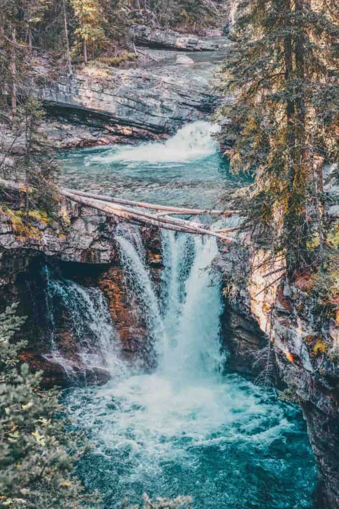 Johnston Canyon Hike: The Best Hike In Banff, Alberta Canada
