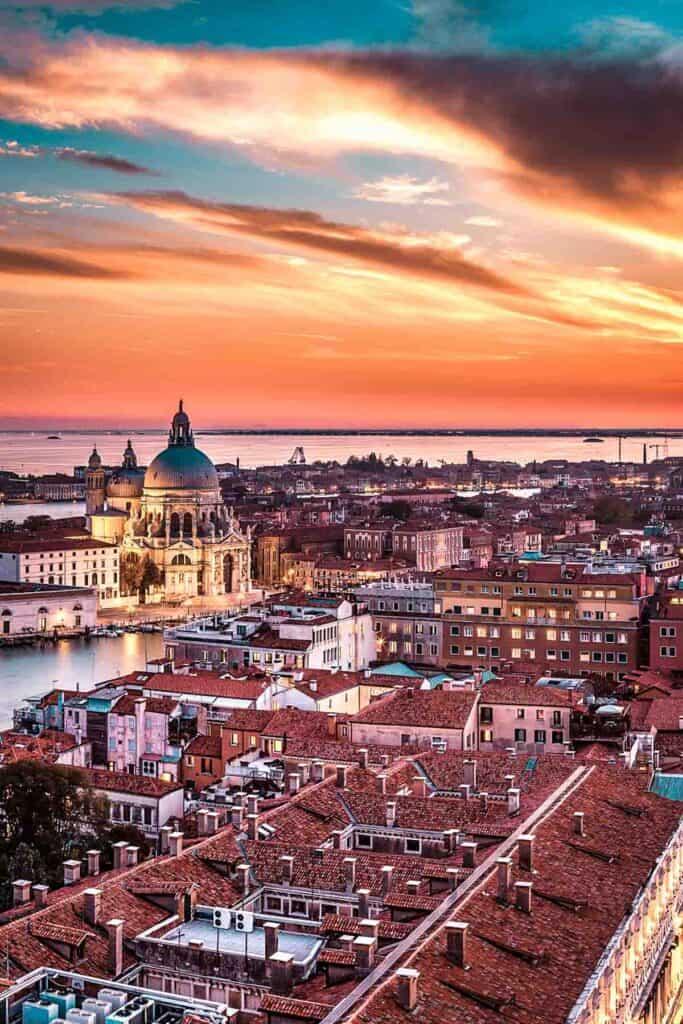 Basilica di Santa Maria della Salute in Venice Italy!