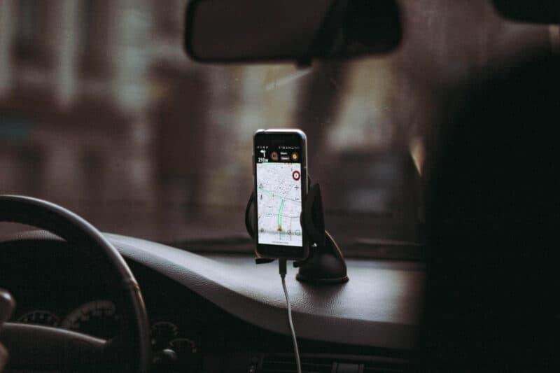 Does GPS Use Data?