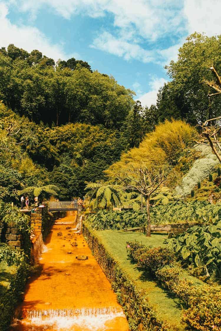 Poca Da Dona Beija hot springs in the Azores