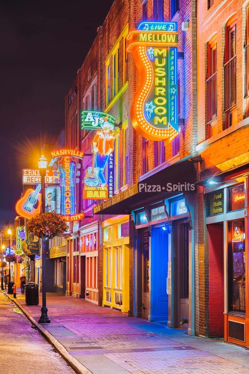 Broadway neon lights in Nashville Tenessee
